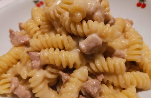 Il gusto senza spreco – Salsiccia di riciclo