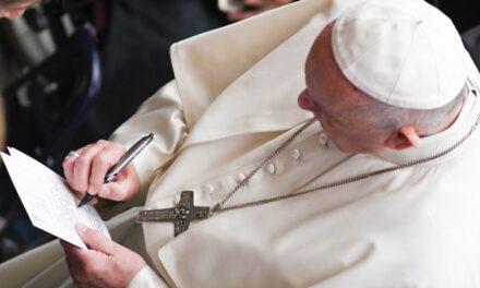 """Papa Francesco: messaggio congiunto sul creato, """"insieme dobbiamo cambiare rotta"""""""